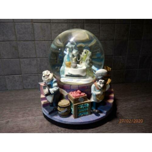 Snowglobe Lady and the Tramp